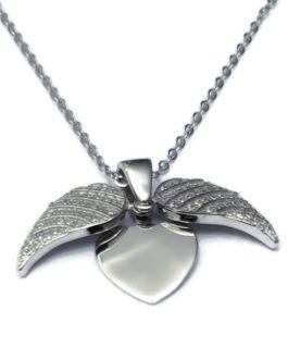 שרשרת כנפיים משובצות נפתחות בשילוב תליון לב גדול לחריטת אותיות בהזמנה אישית