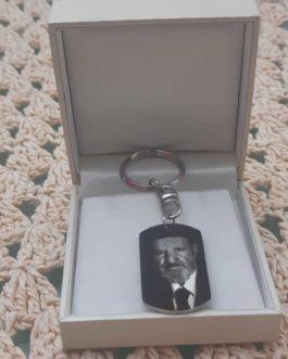 מחזיק מפתחות עם תמונה  סטנסיל לחריטת תמונה והקדשה אישית