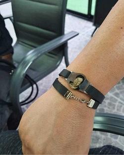 צמיד עור זהב לבן 14K עם חריטת תמונה